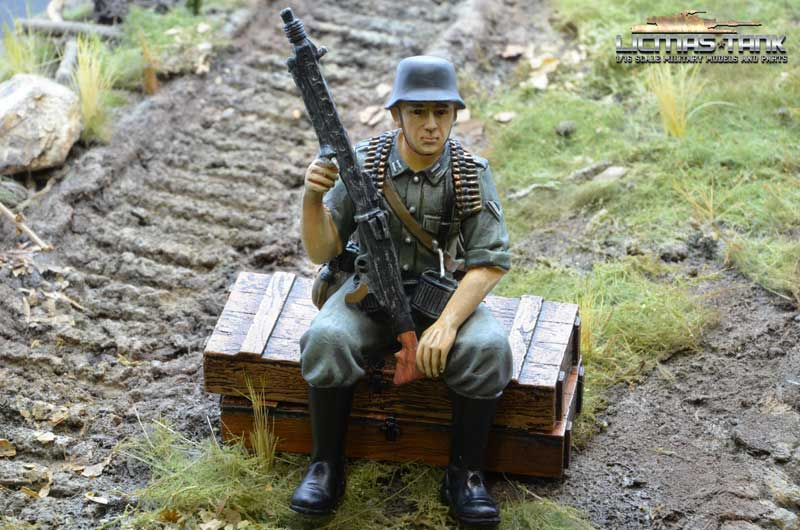 german ww2 tank rider mg42 soldier