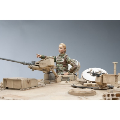 US Female Tank Commander Model Kit (SOL Model) Scale 1/16