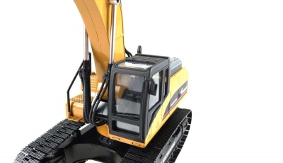 RC excavator full metal 1:14 RTR V4 in a leather-look case