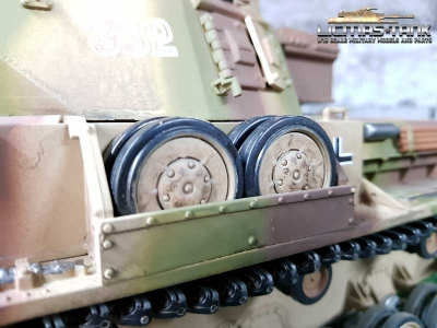 Taigen Panzer 4 castors box for upper tub plastic kit 1:16