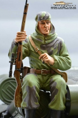Figure Soldier WW2 Russian Sniper Tankrider Amobea Pattern green Scale 1:16