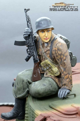 Figure Soldier WW2 Pea dot pattern German Tank Rider StG44 shooter Wehrmacht handpainted 1:16 licmas-tank F1021