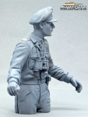 Half Body Commander German Tank Crew Normandy 1944 unpainted