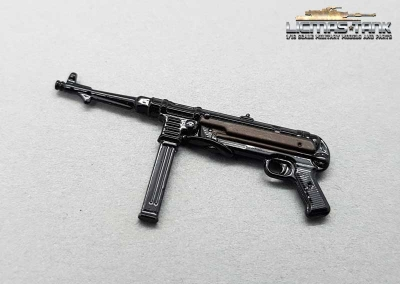 Metal MP 40 painted WW2 Wehrmacht licmas-tank scale 1:16