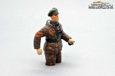 1/16 Figure German tank commander Eichenlaub camo autumn Wehrmacht Resin handpainted