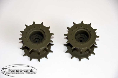 A pair of drive wheels for plastic tanks M41