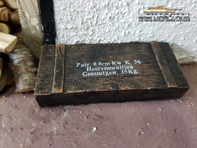 Ammo box 8.8cm Kw. K.36 dark brown scale of 1:16