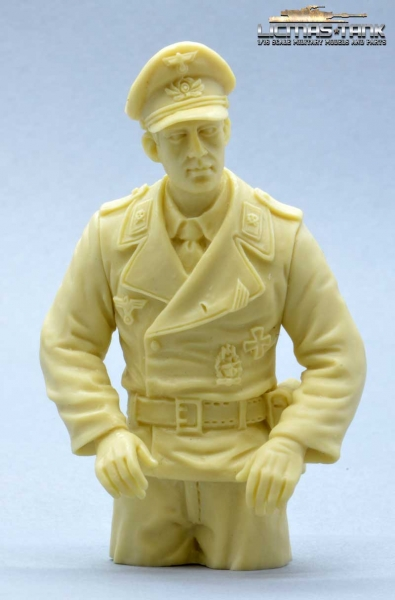 Commander KIT German Tank Crew with Legs to assemble licmas-tank F1012-KIT
