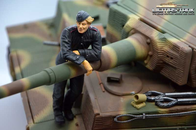 Tiger 1 crew normandy 1944 wehrmacht