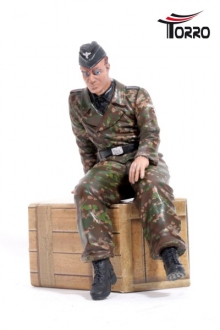 1/16 Figure German Driver WW2 Sitting