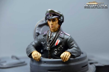 German Tiger tank commander Resin painted 1:16 licmas tank