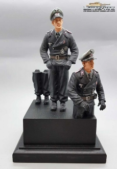 1/16 Figure Commander German Tank Crew with Legs to assemble F1012