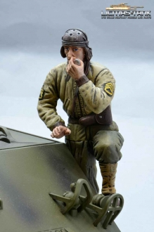 1/16 Figure U.S. Tank Crew WW2 Commander with radio