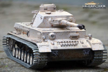 RC Panzer 4 - PzKpfw IV. Ausf. G - Div. LAH Kharkov1943 IR Battle with torro wooden box