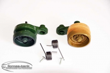 Pair of Plasticwheels right green and brown with feather and screws Leopard 1:24